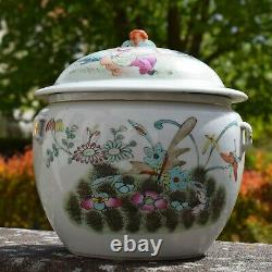 Large Antique famille rose lidded bowl with butterfly pattern Late Qing Dynasty