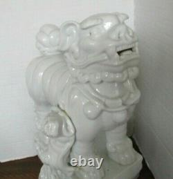 Large Chinese White Glazed Porcelain 12.5 Foo Dog Lion withPuppy Figurine Statue
