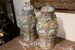 Belle Paire De Grands Vases Antiques Chinois De Médaillon De Rose, 19ème C