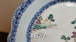 Grand Bien Décoré Porcelaine Chinoise Du 18ème Siècle Chargeur