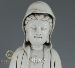 Grand Chinois Dehua Porcelaine Blanc De Chine Assis Guanyin Sur La Figure Du Lion