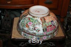 Grand Chinois Famille Rose Bowl Porcelaine Poterie Hommes Femmes Fleurs Signé