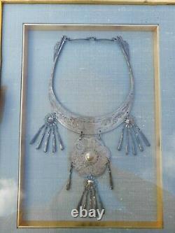 Grand Collier Antique Chinois De Cour D'argent Encadré