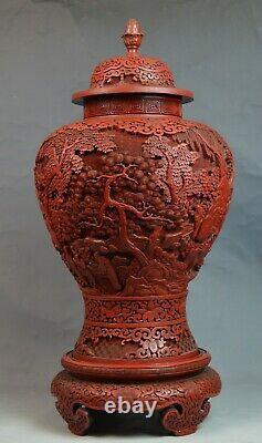 Grand Et Fin Chinois Cinnabar Ginger Jar Sur Stand