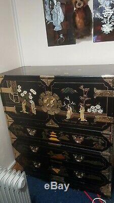 Grand Laqué Noir Cabinet Chinois