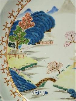 Grand Plat De Service Profond En Porcelaine De Chine Famille Rose D'époque Qianlong