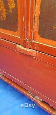 Grand Rouge Laqué Chinois Antique Sculpté Scènes De Cheval De Redevance Du Cabinet