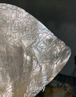 Grande Paire De Sculptures Chinoises De Coquille Sur Des Stands