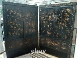 Grande Paire Vintage De Shangxi Doré Noir Et Or Peint Armoires Chinoises