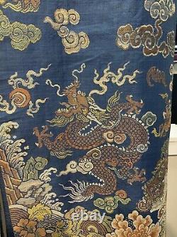 Grande Robe Chinoise Bleue De Dragon De Soie De Kesi (pertes)