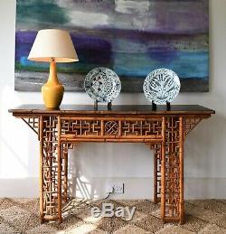 Grande Table Console De Bureau Latérale En Bambou De Style Chinois Oriental, Milieu Du Xxe Siècle