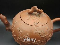 Grande Théière De Yixing Avec Prunus Appliqué Vers 1700