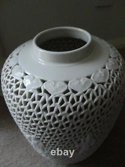 MID Century Reticulé Lamp Base Ginger Jar Grand Blanc De Chine Wai Ming Hk