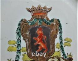 Plaque Chinoise Fine D'exportation Avec La Grande Conception Armoriale Du Lion C. 1780 Antique