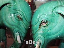 Une Paire De Sièges Chinois Antique Rare Grand Éléphant Vert Jardin
