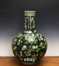 Vase De Porcelaine Globulaire Globulaire De Grande Famille Noire De Chine