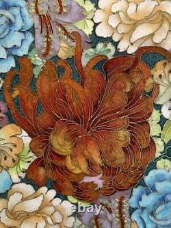 Vtg 19ème C. Fleurs Chinoises D'émail De Cloisonne Grandes 15 Dans Le Stand En Bois De Plaque De Largeur
